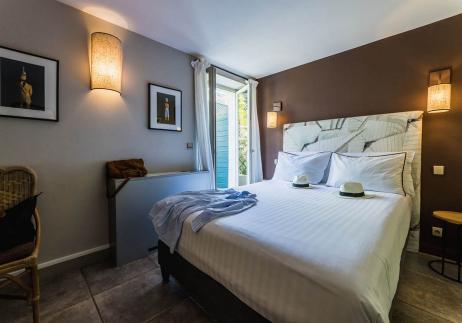 La chambre standart rez de jardin, Hôtel dans le centre ville de Biarritz