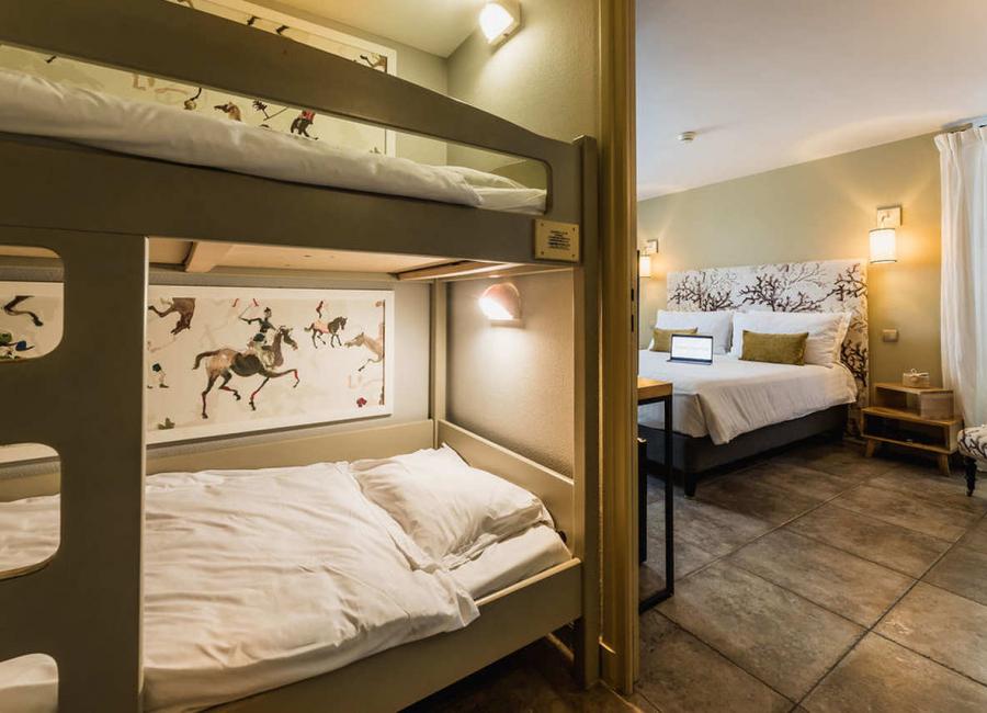 La chambre familliale pour  4 - 5 personnes, adaptée pour les enfants